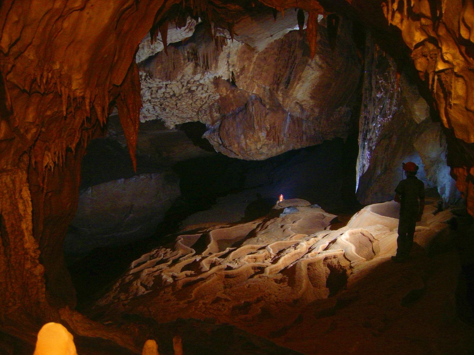 Spéléo : Grotte de l'Aguzou